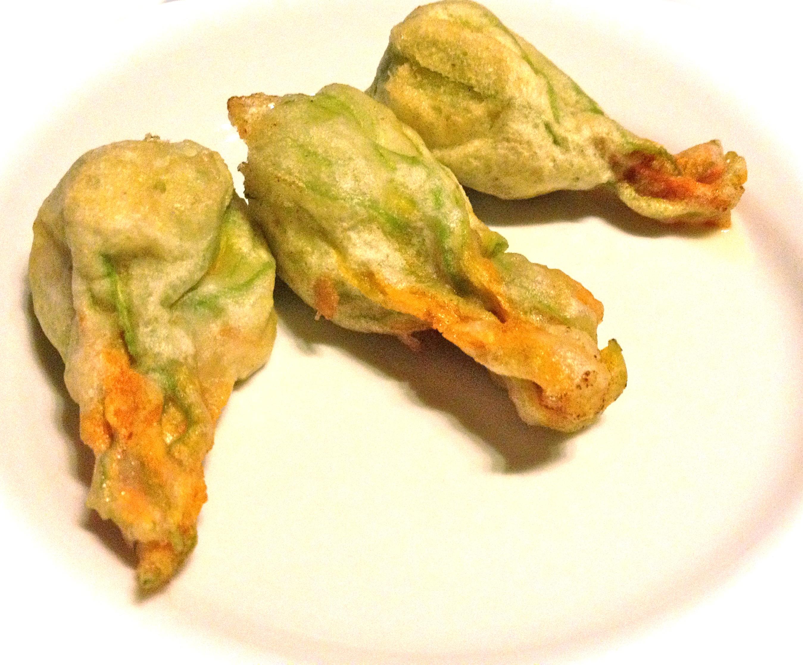 Ricette di cucina fiori di zucca fritti