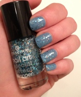 Nails of the day: Sparkly Lapiz of Luxury